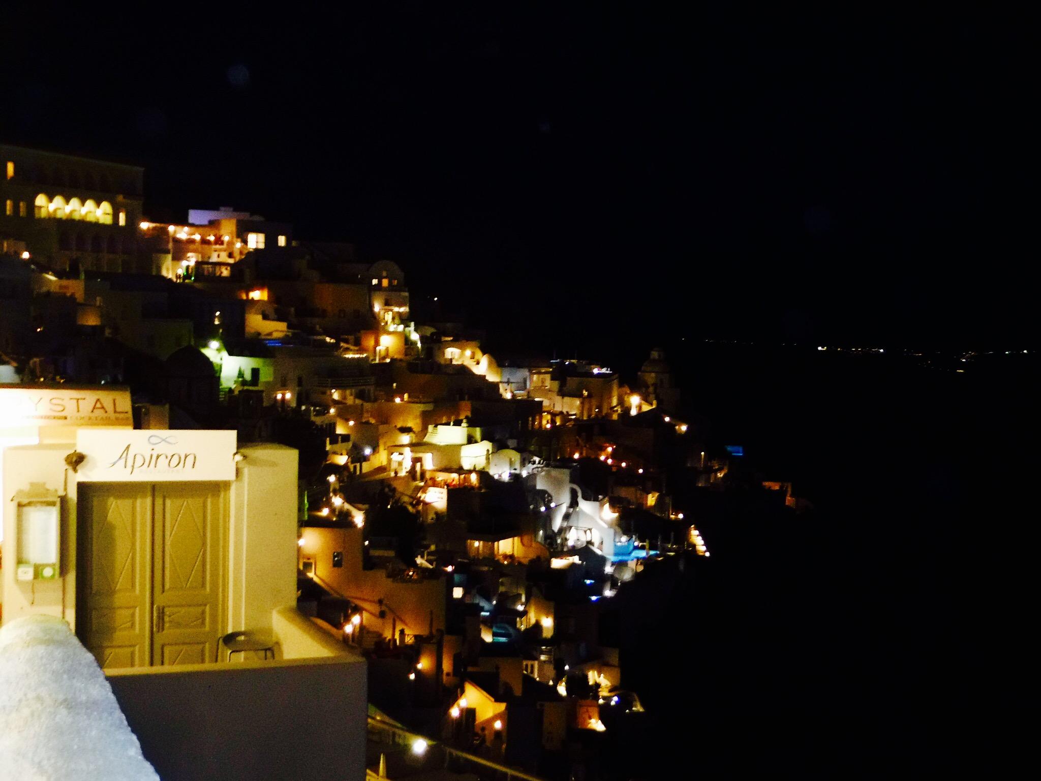 サントリーニの夜景